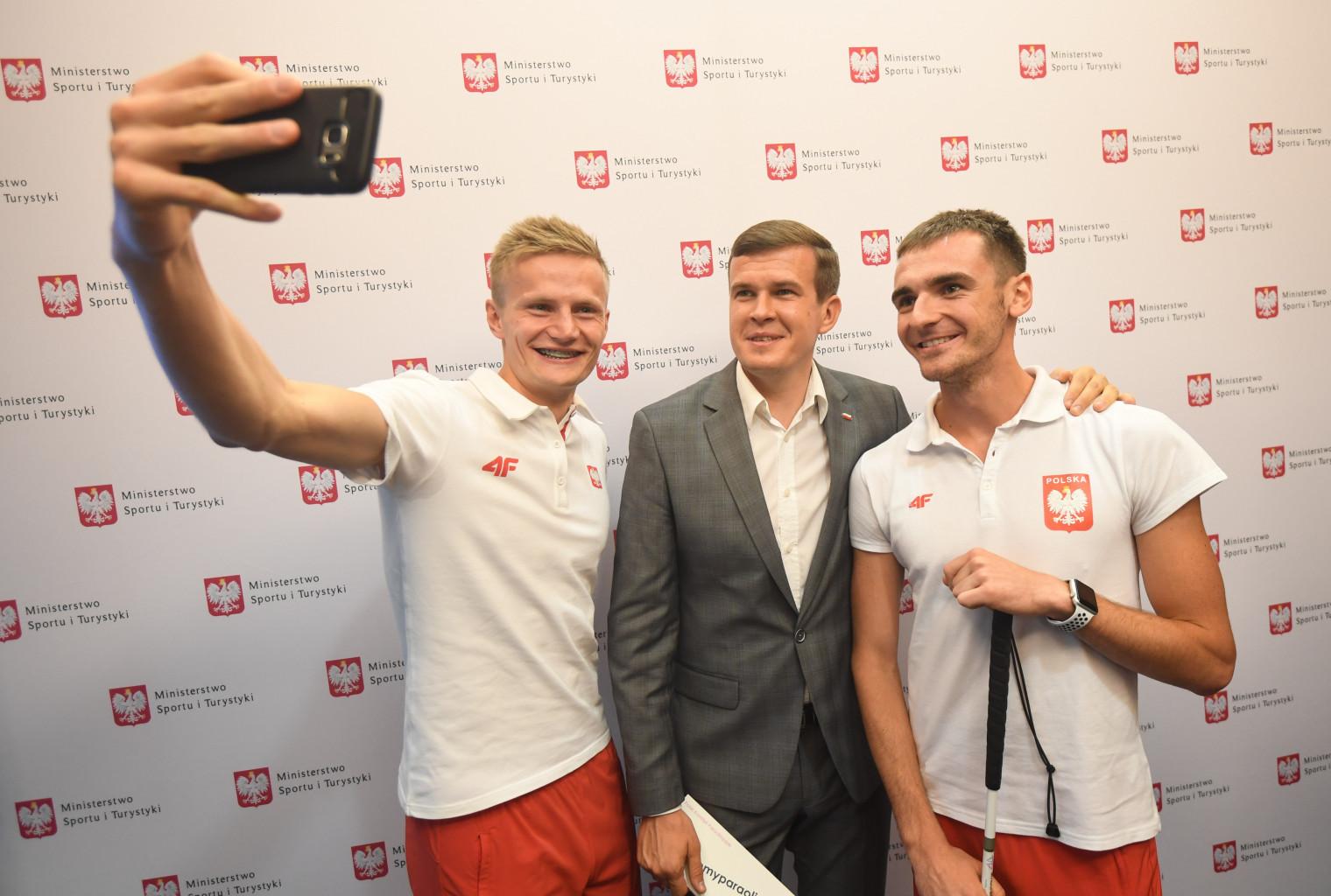 Minister Witold Bańka spotkał się z medalistami ME w Berlinie