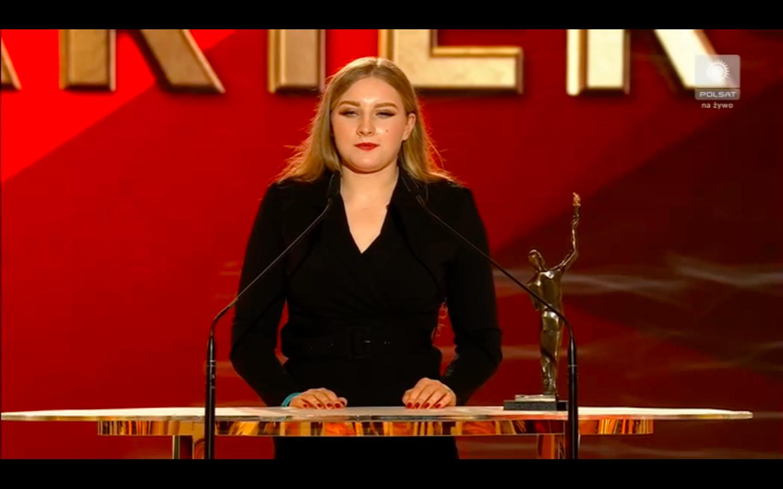 Faustyna Kotłowska odbiera statuetkę czempiona dla sportowca bez barier za 2020 rok