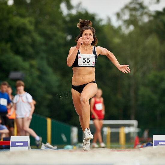 Anna Trener Wierciak podczas próby skoku w dal